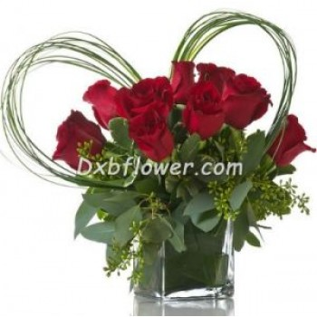 Vase of heart - by Dxb Flower