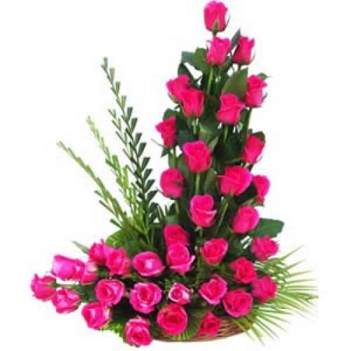 Designer Ikebana Roses Arrangement Send Flowers To Dubai From Canada